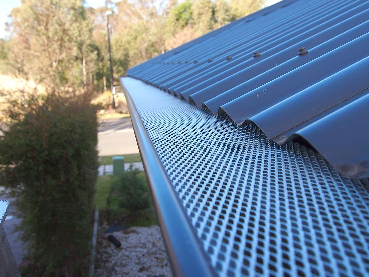 LM61 the-leaf-man-corrugated roof -drop-in-2